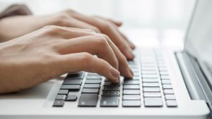 Как написать письмо на официальном сайте?