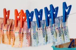 Изображение - Какое наказание за мошенничество в крупном размере money-laundering-1963184_1280-300x200