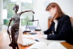 Инициирование адвокатами