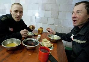 Чем кормят в тюрьме?